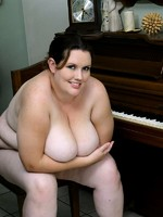 horny big sophie playing the piano